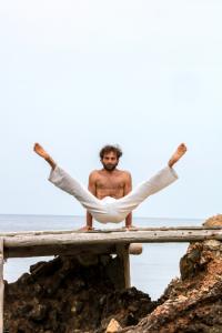 Cours Yoga Hadrien Dadvar