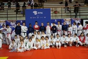 Photo groupe HKC équipe de France équipe du Japon Karaté