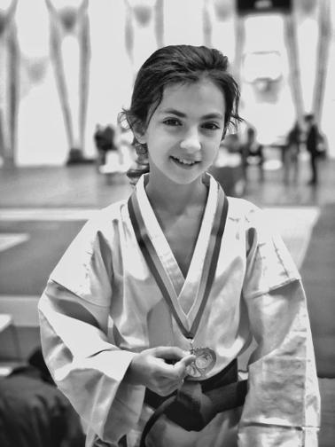 Camille bronze kata Coupe Elite karaté enfant