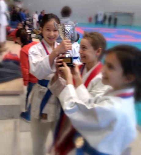 Equipe Kata Coupe Elite filles enfant